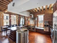 อพาร์ทเม้นแบบ ไม้และอิฐเพิ่มการออกแบบแบบดั้งเดิมในย่าน luxurious soho loft