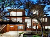 บ้านสวยสำหรับสมาชิก 4 คน ท่ามกลางสนามหญ้าสวยและมุมนั่งเล่นสุดชิวในฮังการี