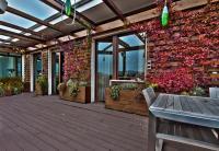 ตกแต่งผนังบ้าน กำแพงบ้าน ด้วยสวนไม้เลื้อย  12 ไอเดีย สวยๆ