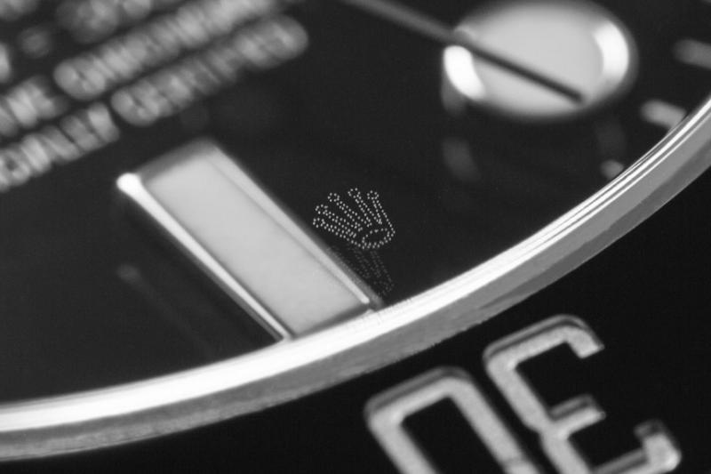 นาฬิกา Rolex รุ่นใหม่ๆ จะมีโลโก้ตรามงกุฎอยู่บนกระจกนาฬิกา?